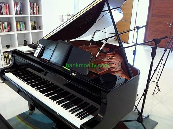 Grand Piano Yamaha GB1 พระเอกของเราในวันนี้