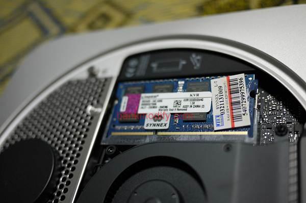 แล้วแทนที่ด้วย RAM Kingston 4GB 2 ตัว