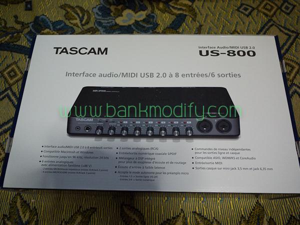 แกะแพคเกจออกมา ก็พบกับ Tascam US-800