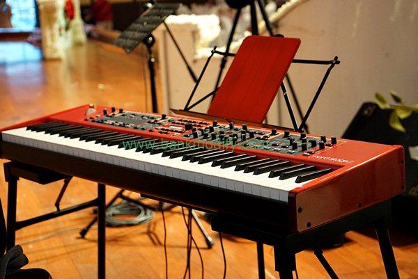 เปียโนไฟฟ้า วงดนตรีงานแต่งงาน