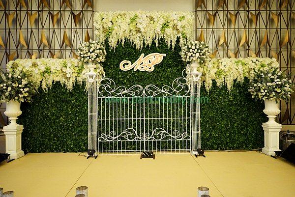 บนเวทีงานแต่งงาน