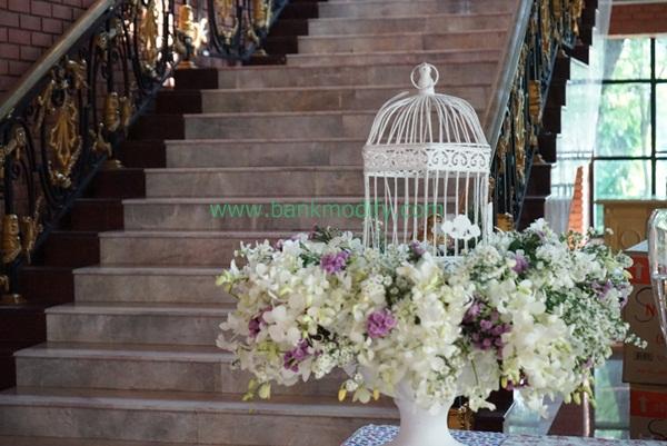 การประดับดอกไม้หน้างานแต่งงาน