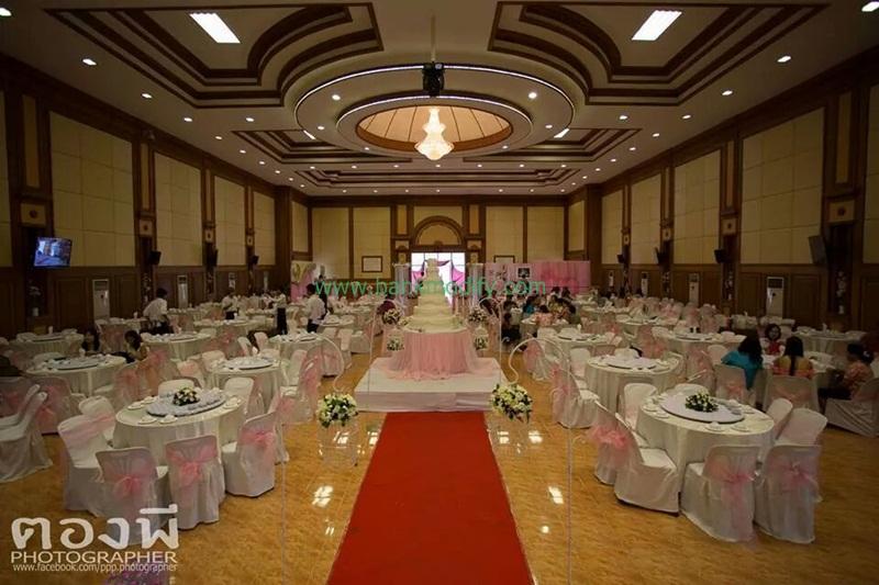 ภายในหอประชุมจัดเลี้ยง งานแต่งงาน