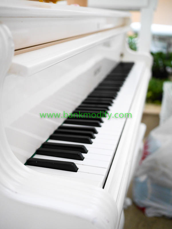Grand Piano ภายในห้องจัดเลี้ยงงานแต่งงาน