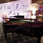 บริเวณที่ตั้ง Grand Piano หน้าห้องจัดเลี้ยง งานแต่งงาน