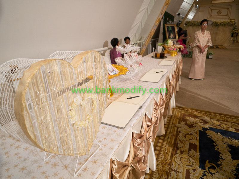 โต๊ะเซ็นสมุดประสาทพรและรับของชำร่วย งานแต่งงาน