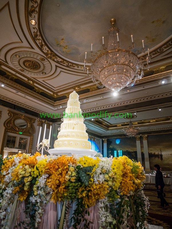 เค้กงานแต่งงาน เป็นเค้กจริงทั้งหมดทุกชั้น