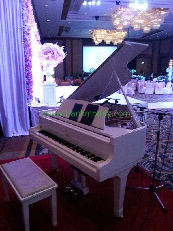 Grand Piano ที่ใช้เล่นในงานนี้