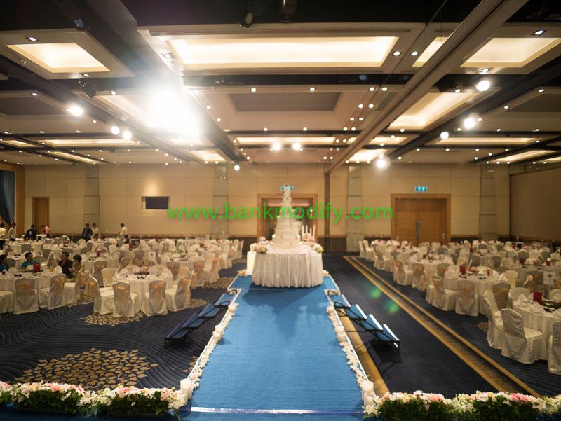 ภายในห้อง Ballroom มอมมุงจากบนเวที งานแต่งงาน