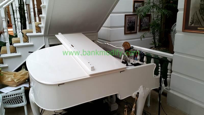 Grand Piano ที่ใข้เล่นในงานนี้