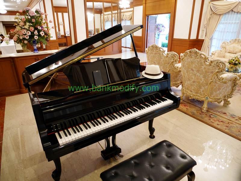 เปียโนที่ใช้เล่นในครั้งนี้