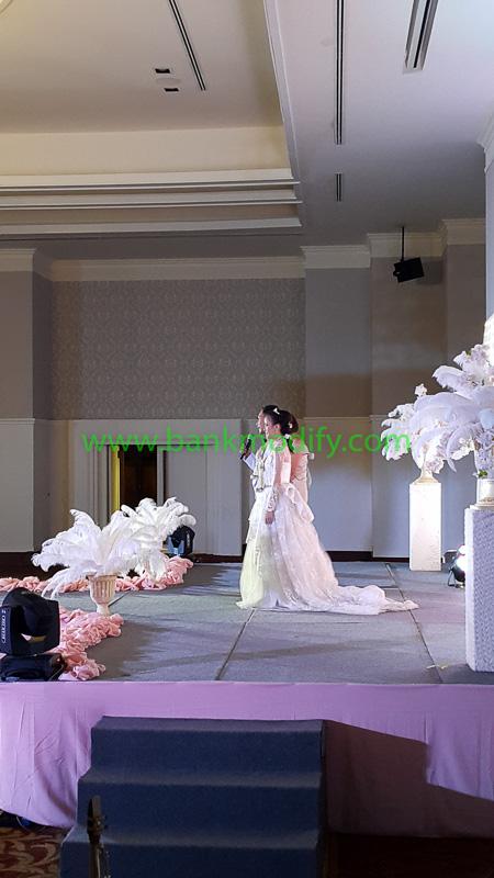 บ่าวสาวบนเวที งานแต่งงาน
